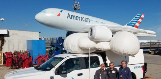 American-Airlines-Dreamliner-Float-Fifth-Ave-NYC-JFK