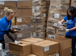 American Airlines Hands Out 1-Million Pounds of Food for Those In Need