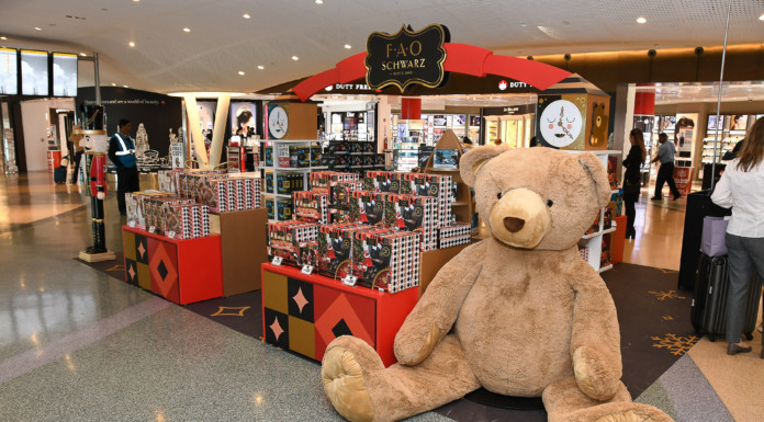 FAO-Schwarz JFK Airport T4 New York