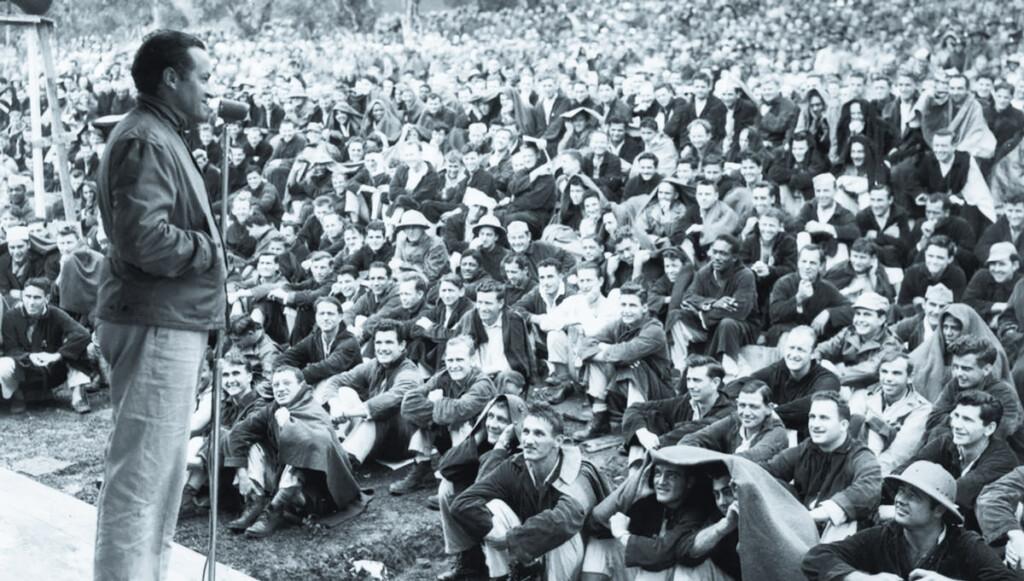 Historical-Bob-Hope-Audience-c1944