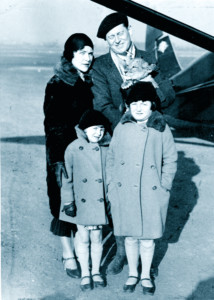Blanche and George Hutchinson, Janet (L), Kathryn (R) 1930.