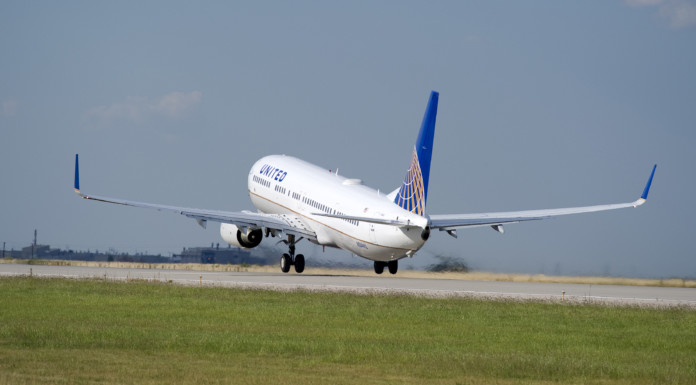 United Airlines Buys Flight Training School