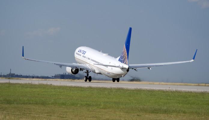 United Airlines Buys Flight Training School
